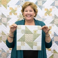 Watch this tutorial as Jenny shows you how to make this gorgeous Garden Star Quilt!