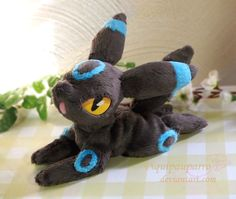 Shiny Umbreon - Handmade plush by Piquipauparro.deviantart.com