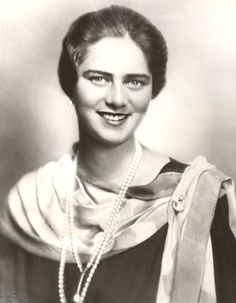 Princess Ileana of Romania was King Carol's sister and the daughter of Ferdinand and Marie. She married twice, had six children, and then became an Orthodox nun. Princess Alexandra, Princess Beatrice, Romanian Royal Family, Old Fashioned Photos, Royal Beauty, Grand Duke, Princess Victoria, Press Photo, Ferdinand
