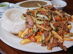 [I ate] Peruvian Lomo Saltado : food South American Dishes, Lomo Saltado, Food Names, Recipe Images, Food Industry, Chef Recipes, Types Of Food, Meals For One
