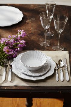 Pretty Place Settings | Inspiring Table Settings | Formal Entertaining | Setting a Table | Pretty Plates and Bowls | Italian Dinnerware | Made in Italy
