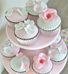 cupcakes - pastel flowers @Little Boutique Bakery, too nice to eat!