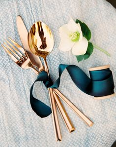 Sorry, Emily Post: This Silverware Trend Is Just So Easy (& Pretty)