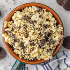 Cookies and Cream Popcorn via @beckygallhardin