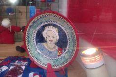 Beautiful Queeny plate Edinburgh, Decorative Plates, Tableware, Beautiful, Home Decor, Dinnerware, Decoration Home, Room Decor, Tablewares