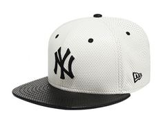 New York Yankees Punching Leather 9Fifty Snapback Cap by NEW ERA x MLB
