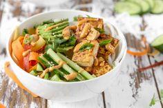 Vegan Thai Tofu Daikon Noodle Bowls - The Plant Philosophy Tofu Recipes, Cooking Recipes, Daikon Recipe, Tofu Wraps, Marinated Tofu, Raw Vegan, Vegan Food, Veggie Noodles, Noodle Bowls