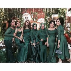 Wedding Quotes Bridesmaid Brides 55 New Ideas Muslimah Wedding Dress, Hijab Wedding Dresses, Wedding Bridesmaid Dresses, Kebaya Hijab, Kebaya Dress, Hijab Dress Party, Party Gowns, Women's Fashion Dresses, Hijab Fashion