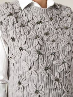 Search from over 2000 designers for the latest designer knitted sweaters Knitting Stitches, Baby Knitting, Knitting Patterns, Crochet Patterns, Crewel Embroidery, Ribbon Embroidery, Embroidery Patterns, Knit Fashion, Vintage Crochet
