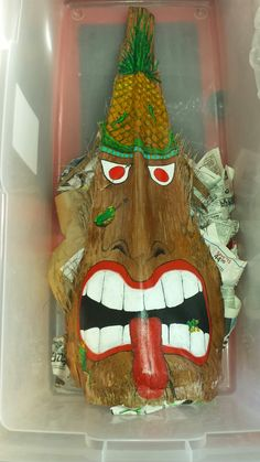 Tiki man palm frond Palm Frond Art, Palm Fronds, Palm Tree Crafts, Coconut Fish, Tiki Man, Wood Bark, Fence Art, Palmiers, African Masks