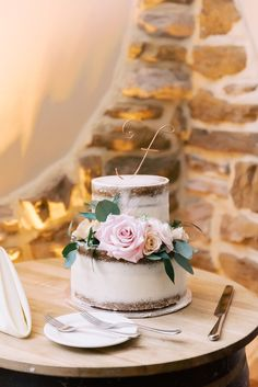 Home - Lindsey Ford Photography - Central PA Wedding Photographer Bridal Dress Shops, Bridal Gown, Wedding Reception, Wedding Day, Gown Designer, Cake Bakery, Groom And Groomsmen Attire, Magical Wedding, Vineyard Wedding