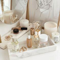 Makeup Storage, Makeup Organization, Bathroom Organization, Bathroom Ideas, Perfume Organization, Bathroom Interior, Makeup Drawer, Dresser Top Organization, Small Bathroom