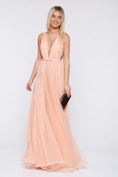 Ana Radu occasional net peach dress with v-neckline Bridesmaid Dresses, Prom Dresses, Formal Dresses, Wedding Dresses, Bow Accessories, Pretty Outfits, Dress Up, Peach, Neckline