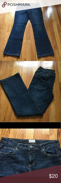 Aeropostale Chelsea Bootcut Jeans size 11/12 short Aeropostale Chelsea Bootcut Jeans size 11/12 short. The length of these jeans are categorized as short. Aeropostale Jeans Boot Cut