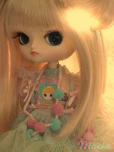 Sunshine Girl by ℍℯy✿ⅅoℓℓℱα©ℯ, via Flickr  Pullip Doll Dal Hina Ichigo (Macks) in Byul Secomi's stock.