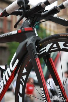 The ultra-clean front end of BMC's TM01 Time Machine time trial bikes.