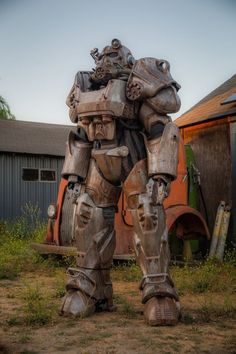 Fallout Power Armor cosplay - Humor Photo - Humor images - Fallout Power Armor cosplay The post Fallout Power Armor cosplay appeared first on Gag Dad. Fallout Fan Art, Fallout Concept Art, Fallout Funny, God Of War, Mass Effect, Cosplay Fallout, Fallout 4 Power Armor, Fallout Wallpaper, Games