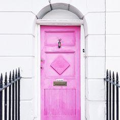Pink doors 4ever ❤️❤️ (photo by @brightbazaar in #dscolor)