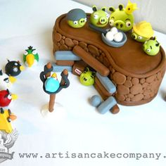 How to make an Angry Birds Bunker for a cake