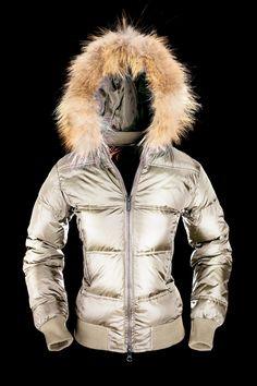 #jackets #woman #DOWNJACKET #HOOD #Bomboogie #giubbotto #piumino #piuminodonna #bomboogie
