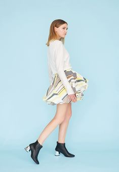 Le 400 - Short skirt with godets