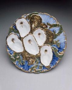 Oyster plate from the Rutherford B. Hayes White House service - 1879. Manufacturer: Haviland and Company.