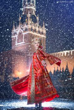 Москва, Красная площадь. Костюм Красная Москва Russian Winter, Russian Folk, Russian Style, Russian Beauty, Russian Fashion, Russian Landscape, Moscow Kremlin, Folk Fashion, Women's Fashion