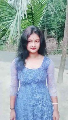 Diya roy 78 | Vigo Video | Share your daily fun moments Beautiful Girl Quotes, Beautiful Girl Photo, Beautiful Girl Indian, Beauty Full Girl, Dark Beauty, Beautiful Housewife, Dehati Girl Photo, Most Beautiful Bollywood Actress, Hair Color Shades