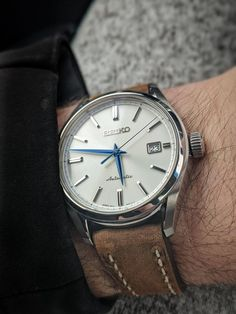 [Seiko] Those blue hands absolutely kill me! Stylish Watches, Cool Watches, Watches For Men, Best Looking Watches, Brand Guide, Classy Men, Watch Brands, Seiko