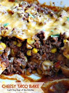 Okay, I have a super delish recipe for you today. Cheesy Taco Bake combines the best of tacos with something like a Tamale Pie, except the crust is on the bottom instead of on the top. Beef Recipes, Mexican Food Recipes, Dinner Recipes, Cooking Recipes, Mexican Dishes, Salad Recipes, Dinner Ideas, Recipies, Homemade Salsa