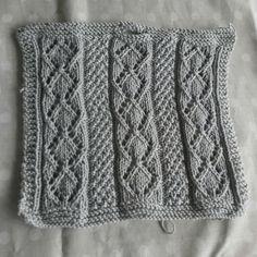 #venteklut #bittamisdesign #klut Blanket, Crochet, Crochet Hooks, Blankets, Crocheting, Carpet, Thread Crochet, Hooks, Quilting