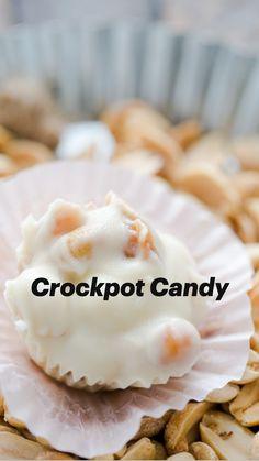 Sweets Recipes, Candy Recipes, Baking Recipes, Christmas Candy, Christmas Desserts, Christmas Cookies, Crockpot Dishes, Crockpot Recipes, Multi Cooker Recipes