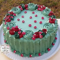 21 Trendy ideas for cupcakes decoration flowers frosting techniques Cake Decorating Techniques, Cake Decorating Tips, Cake Icing, Buttercream Cake, Deco Cupcake, Floral Cake, Sweet Cakes, Food Cakes, Creative Cakes