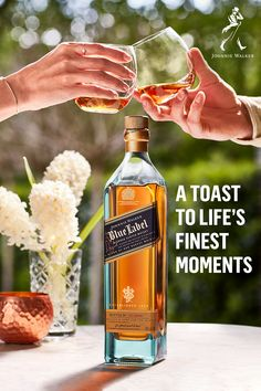 Raise a toast to the newlyweds with a gift for life's finest moments. Johnnie Walker Blue Label, made to celebrate moments with the ones you love. Whiskey Cocktails, Cocktail Drinks, Johnny Walker Blue Label, Cocktail Videos, Fine Wine, Mixed Drinks, Video Photography, Yummy Drinks, Whisky