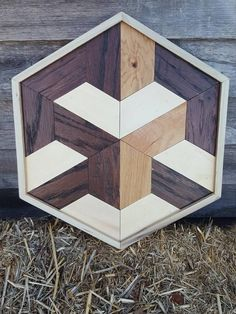 Made from all repurposed materials, this is a fun piece for any all or table top. The direction and colors draw the eye towards the middle providing a 3D effect. Reclaimed Wood Wall Art, Rustic Wall Art, Rustic Walls, Wooden Wall Art, Diy Wall Art, Home Decor Wall Art, Woodworking Business Ideas, Cool Woodworking Projects, Scrap Wood Projects