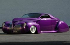 1939 custom Lincoln...love the color.