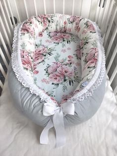 premium babynest met afneembare hoes voor een pasgeboren baby, baby nest slaper, baby douchegift voor een baby, baby Cocoon bed, Co Sleeper Baby Crib Sets, Baby Bedding Sets, Baby Cribs, Baby Girl Bedding, Our Baby, Baby Baby, Baby Shower Gifts, Baby Gifts, Baby Bedding