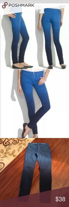 Made well skinny blue ombré jeans Never worn skinny skinny blue ombre darker legs jeans 27/32 Madewell Jeans Skinny