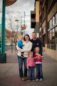 Family session in downtown Albuquerque. Matt Blasing Photography. Family Photographer based in Albuquerque, New Mexico. www.mattblasing.com