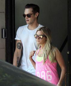 [13/08/13] Saliendo de Nine Zero One Salon con Chris en West Hollywood.