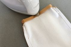 布1枚で作る、簡単スマホショルダーポーチ(ポシェット)の作り方 | nunocoto fabric Iron, Business, Fabric, Fashion, Leather Working, Tejido, Moda, Tela, Fashion Styles