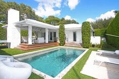 This classic, early midcentury ranch-style house in Miami Shores may not be particularly big, at 2,320 square feet, and its restoration may...
