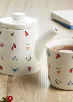 Make your tea break oh so sweet with this Tea Pot and Cup featuring our Sweet illustrations