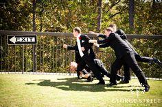 Fun wedding Pic ideas