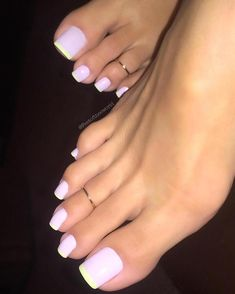 Pink and yellow French pedi. So cuuute for summer! Cute Toe Nails, Cute Toes, Pretty Toes, French Tip Toes, French Nails, French Pedicure, Long Toenails, Pink Toes, Perfect Beard