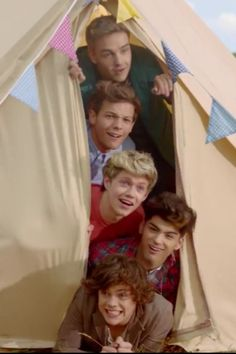 (Live While We're Young) One Direction's new single!