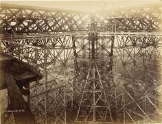 Eifel tower under construction