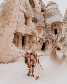 Need a trip to Cappadocia Wanderlust Travel, Oh The Places You'll Go, Places To Travel, Travel Destinations, Turkey Destinations, Travel Europe, Nyc, Foto Top, Destination Voyage