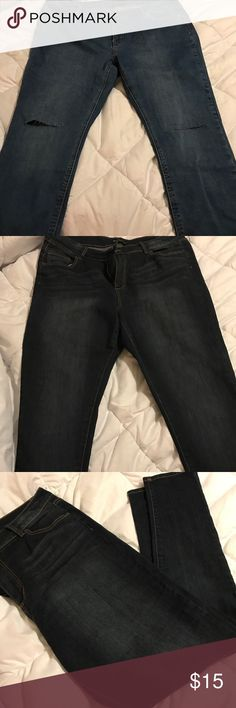 Forever 21 plus size ripped skinny jeans18 NWT Forever 21 ripped skinny jeans! Size 18 NWT great stretch! New with tags! Destroyed knee! Trendy!!! Plus size! Curvy fit! Forever 21 Jeans Skinny