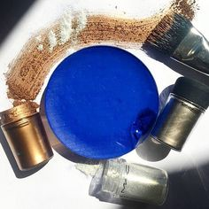 "58.6k Likes, 86 Comments - M·A·C Cosmetics (@maccosmetics) on Instagram: "" Blue and gold, one of our favourite combos  Shop products via link in bio: Chromacake in…"""